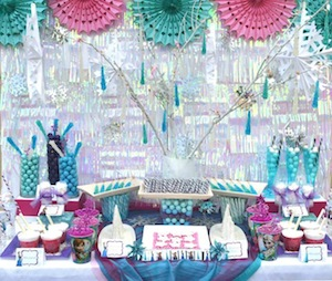 Disney Frozen Birthday Party Tableware and Decoration Ideas